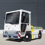 tractor de remolque / con barra de remolque / para carretilla de equipajes / eléctrico