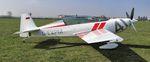 avión de acrobacias con motor de émbolo / monomotor / 2 plazas