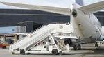 escalier d'embarquement / autotracté / mobile / pour avion