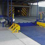 Quai de chargement pour plateaux roulants / pour aéroport Dolly Dock SACO AIRPORT EQUIPMENT