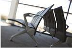 sièges sur poutre pour aéroport / 8 places