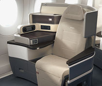 Business jet seat / for business class / with adjustable headrest / flat bed