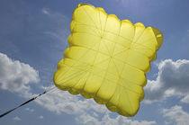 Cross parachute / reserve