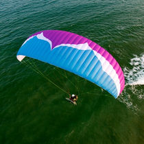 Monoplace paramotor wing
