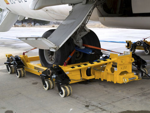 tow tug / with towbar / for aircraft / electric