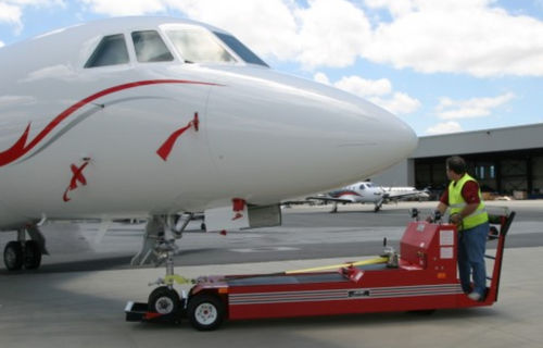 tow tractor / with towbar / for aircraft / for airports