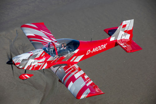 two-seater private plane / piston engine / single-engine / instructional