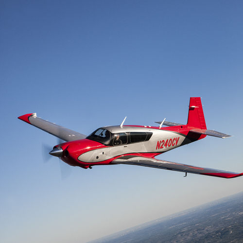 4-seater private plane / piston engine / single-engine