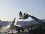 aircraft deicer / sprayer / self-propelled