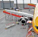 wing docking system / engine / movable