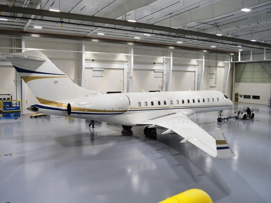 This Bombardier Global Express XRS launched the service entry of Duncan Aviation's new maintenance facilty at Utah's Provo Municipal Airport this week. The long range twinjet will receive a 120-mon...