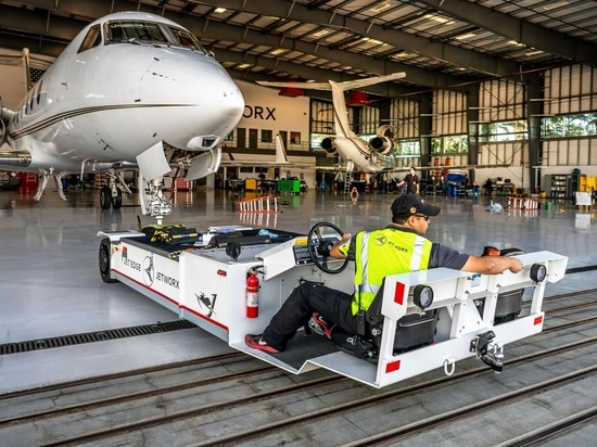 Jetworx expanded maintenance capabilities include work on Embraer EMB 135 and Gulfstream GIV-X airframes, as well as limited instrument and radio ratings.