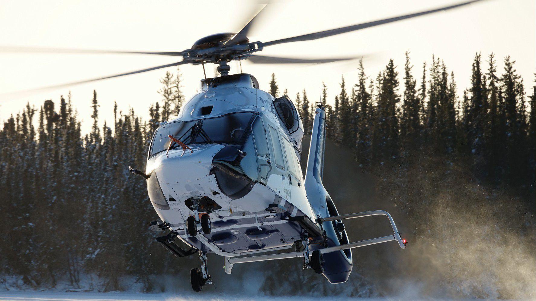 Km H Elicottero : La nostra flotta di elicotteri elimast servizi in elicottero