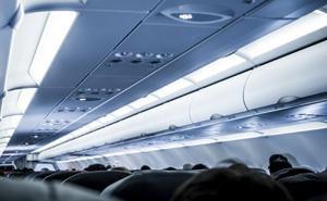 航空機内設備