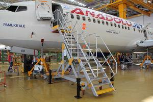 Flugzeugdock für Flugzeuge / für den Rumpf / für die Nase des Flugzeugs / mobiler