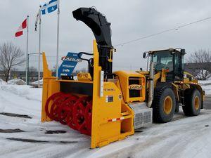 LKW-montierte Schneefräse / für Rollfeld