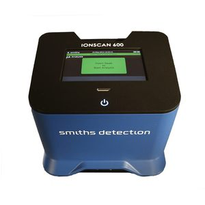 detector de explosivos / de drogas / de trazas / portátil