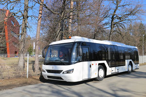 autobús para aeropuerto / > 51 pasajeros / climatizado / 5 plazas