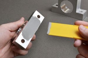 cola epoxi / para la aeronáutica / de pegado / para metales