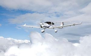 avion de tourisme 4 places / monomoteur / moteur 4 temps