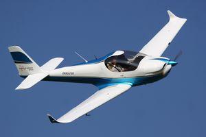 avion de sport 2 places / monomoteur / moteur 4 temps