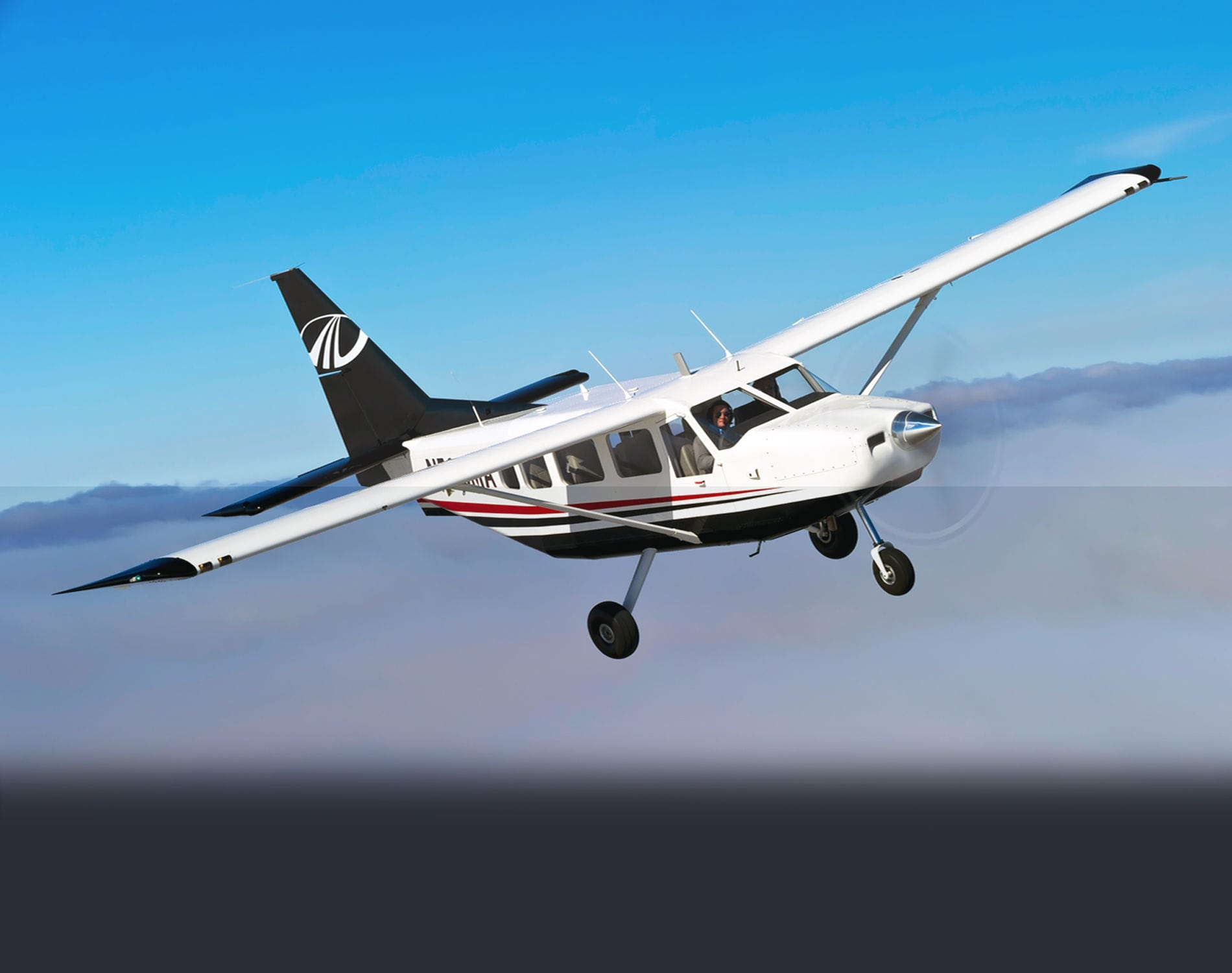 single engine 8 passenger plane)