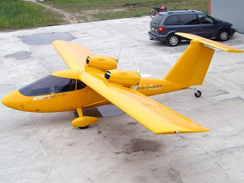Very light 2-seater aircraft / piston engine / twin-engine - A-36