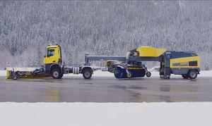 self-propelled snow blower