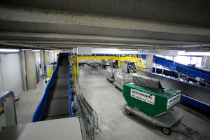 horizontal conveyor diverter