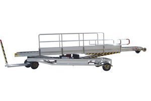 towed baggage belt loader / for airports