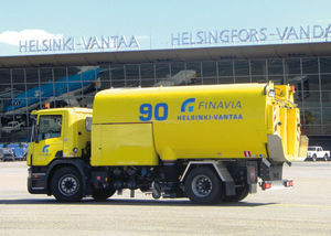 runway de-icing vehicle / sprayer / truck-mounted