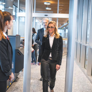 airport walk-through detector