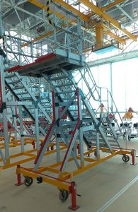 nose access platform / movable / fixed