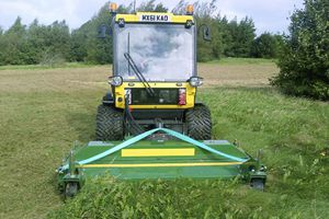 tractor-mounted mower / flail