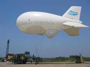 lifting airship / helium / semi-rigid / 0 - 10 Pers.