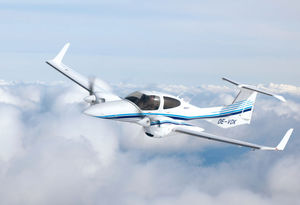 4-seater private plane / twin-engine / turboprop