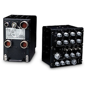 UHF audio panel / for aircraft / panel-mount