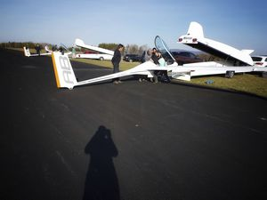 single-seat glider