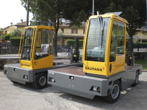 diesel engine forklift / ride-on / 4-wheel / compact
