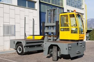 diesel engine forklift / ride-on / 4-wheel / lateral