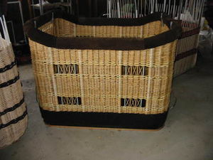 non-partitioned hot-air balloon basket