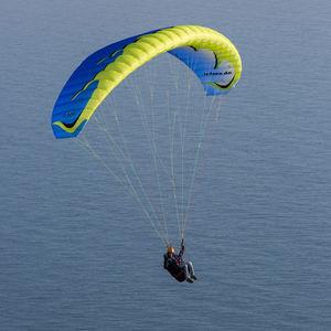 beginner paraglider