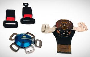 aircraft seat belt restraint