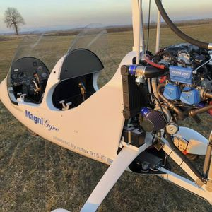 two-seater gyrocopter / 4-stroke engine / tandem / open canopy