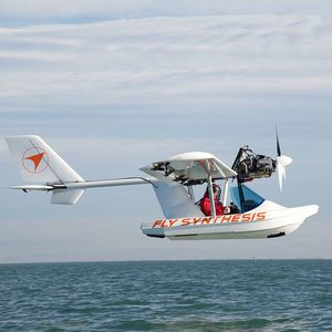 single-engine seaplane / tourist / 4-stroke engine / 0 - 10 Pers.