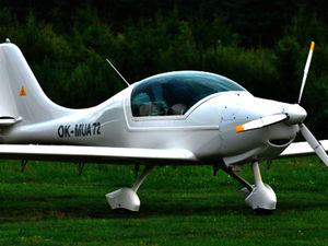 light aircraft aircraft canopy