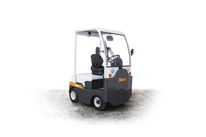 tow tractor / with towbar / for aircraft / electric