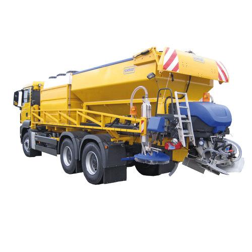 runway deicer / sprayer / spreader / truck-mounted