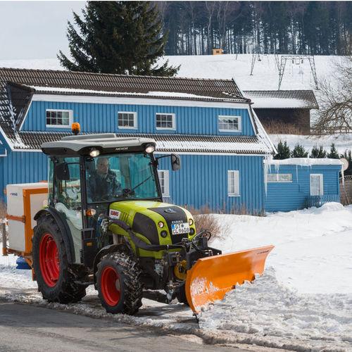 airport snow plow