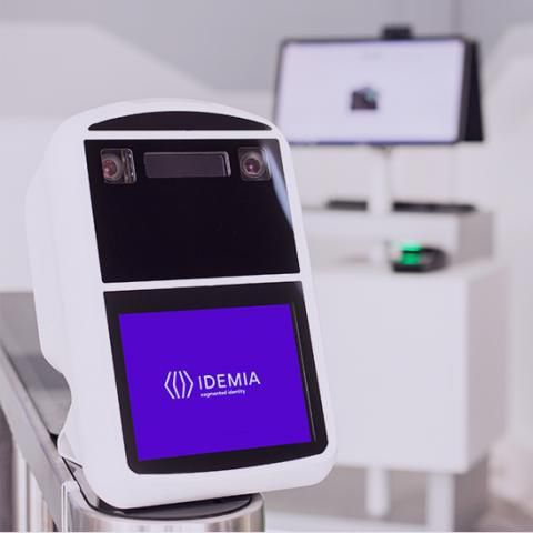 automated airport border gate / with facial recognition